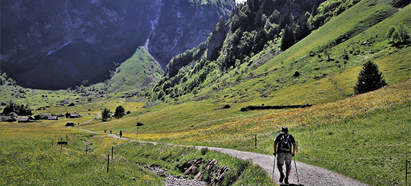 Las 12 rutas senderistas ideales para este verano